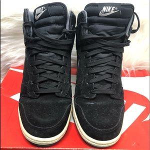 Suede Black Nike High tops🖤👟